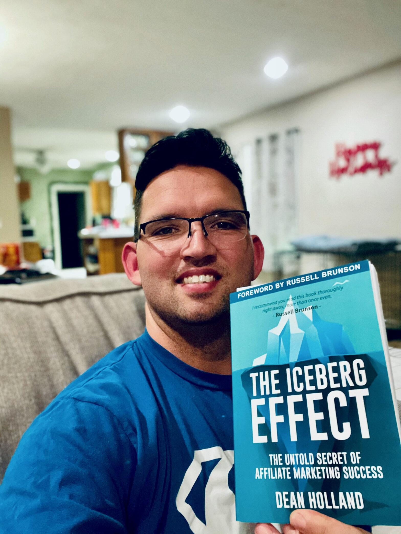 Showcase Dean Holland's Book Iceburg Effect